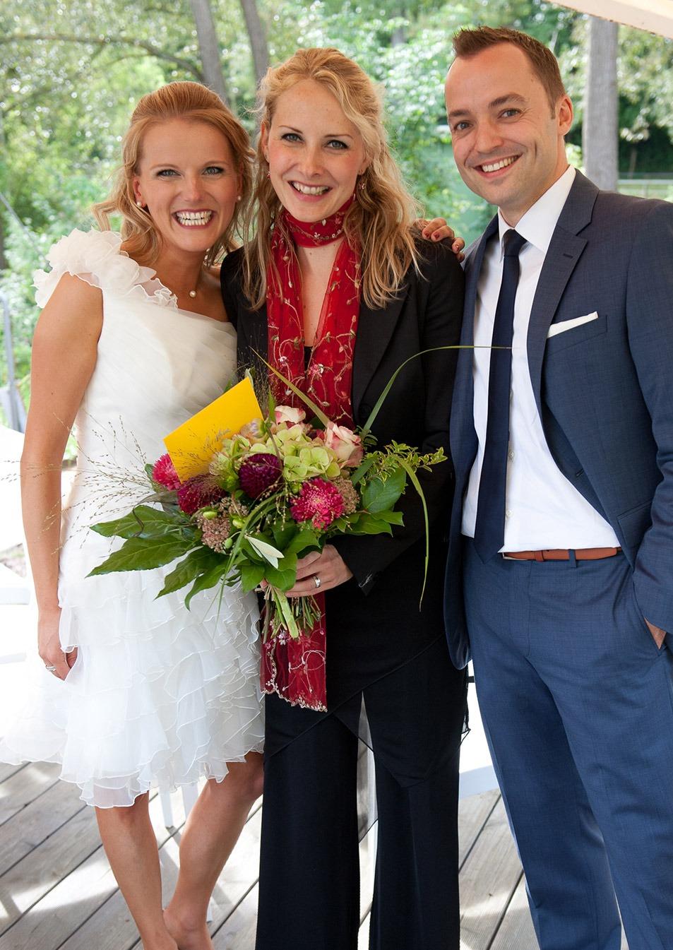 Hochzeitssängerin Christina Meißner mit Brautpaar
